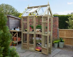Walkaround Greenhouse in Garden