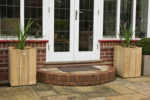 Large Winsor Planters